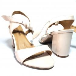 Zapato de tacón ancho en piel